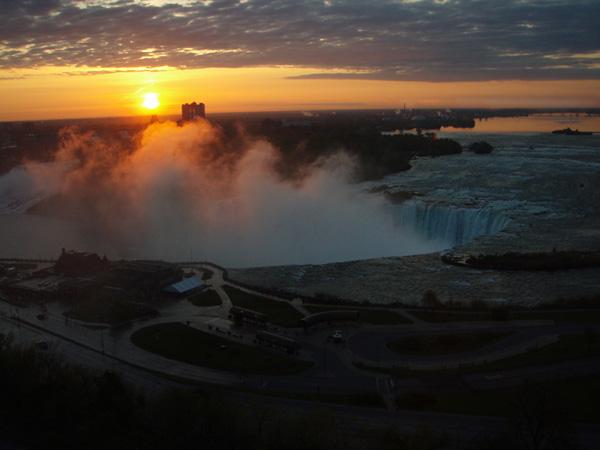 Niagara-Sunrise-first-day.jpg